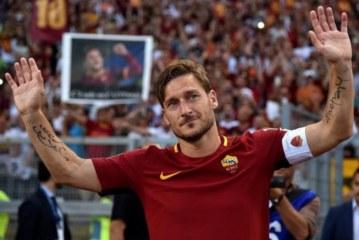 FRANCESCO TOTTI met fin au suspense et attend le «rôle parfait» à la Roma