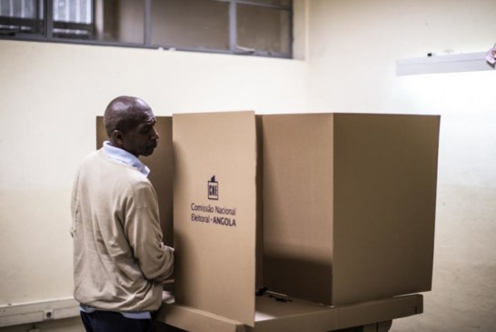 LES ANGOLAIS votent pour les premières élections sans Dos Santos depuis 38 ans