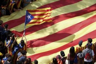 EN DIRECT : Les indépendantistes catalans dans la rue pour réclamer la libération de deux leaders