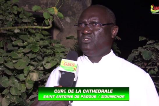 MESSE MINUIT A ZIGUINCHOR : Le curé fait la promotion de la paix