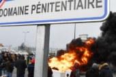 FRANCE : Les surveillants pénitentiaires appellent à poursuivre le blocage des prisons