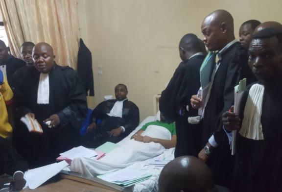 À KINSHASA : Un opposant politique jugé… sur son lit d'hôpital
