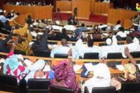 DAKAR: Un nouvel impôt adopté par les députés