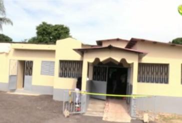 ABDOULAYE BALDE inaugure la maternité de Bandjikaky qu'il a construite